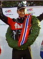 Laurbærkranser fra norske mesterskap gir ikke ny kontrakt. Arvesen trenger Giro-suksess.