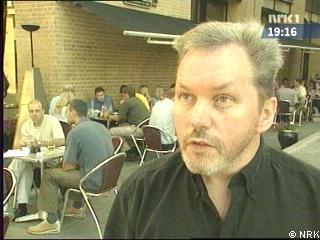 Jurymedlem Jan H. landro mener påmeldingen til Brageprisen er forfatterpleie.