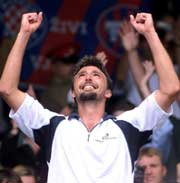 Goran Ivanisevic mente før finalen at det var hans skjebne å vinne Wimbledon-turneringen, og han var tydelig rørt da seieren var hans (Foto: Ian Waldie/Reuters/Scanpix).