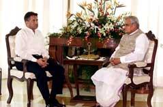 Pervez Musharraf ønsker en gjentakelse av dette: Møte med Indias statsminister Atal Behari Vajpayee (t.h.).