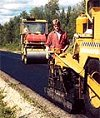 Asfalten skal bli bedre på veiene i Østfold (Foto:arkiv)