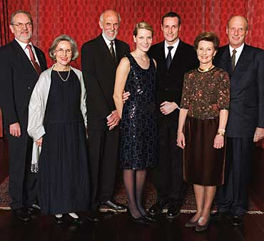 From the right: the bride's step father, mr. Rolf Berntsen, the bride's mother, mrs. Marit Tjessem, the bride's father, mr. Sven O. Høiby.