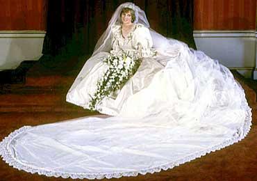 1981: Diana Spencer ble prinsesse av Wales i et hav av silke.