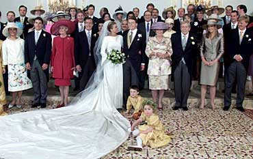2001: Nye, smale linjer for prinsesse Laurentien i Nederland.