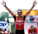 Belgiske Serge Baguet jublet over etappeseieren i Frankrike rundt. (Foto: Scanpix/Reuters(Charles Platiau)